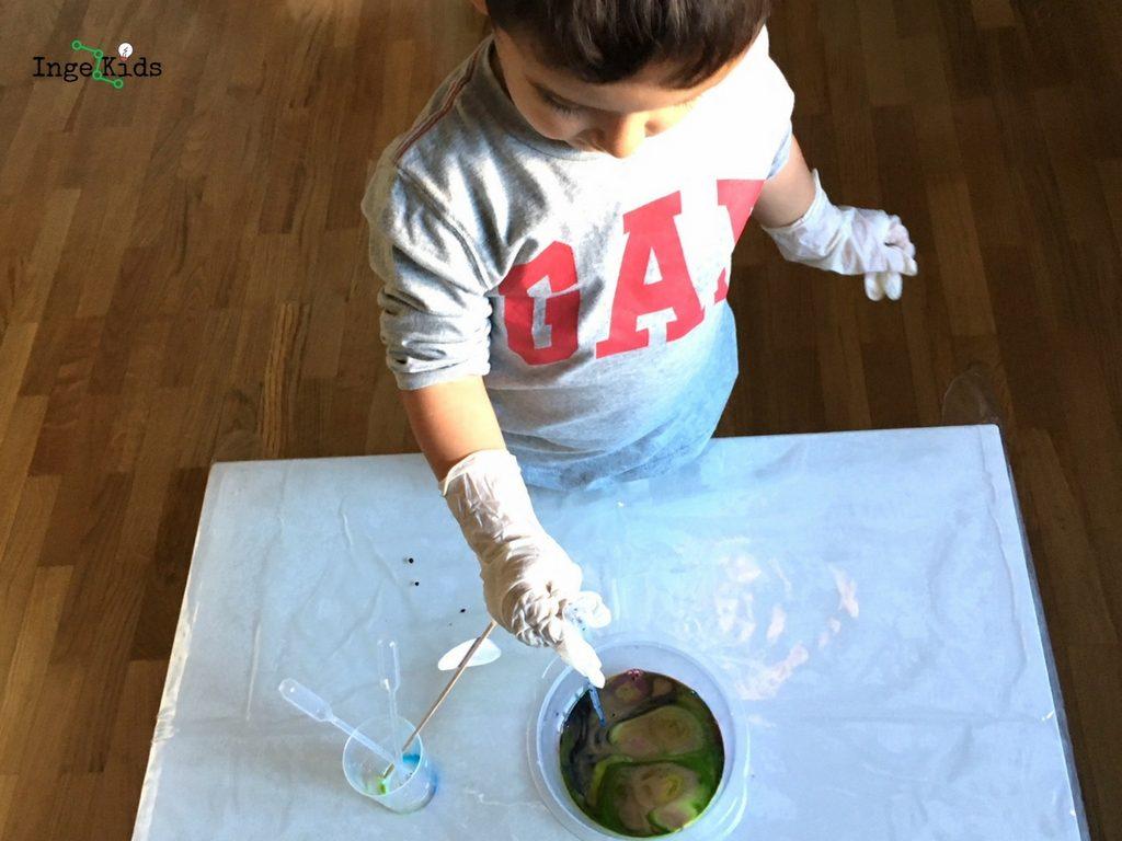 experimento para niños leche